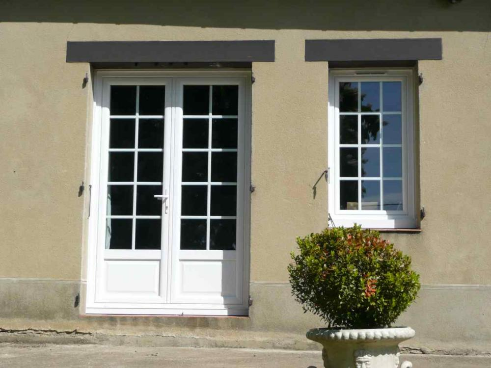 Portes et fen tres une d co sur mesure maison et for Fenetre contemporaine